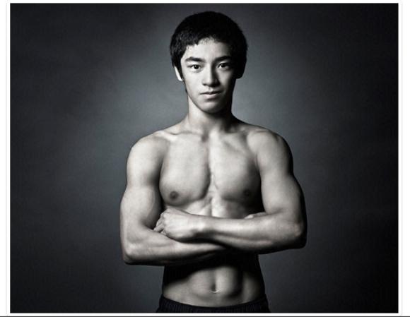 白井健三の高画質な筋肉画像