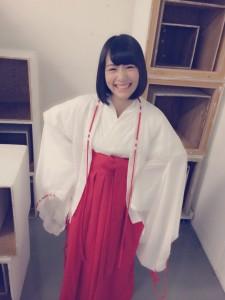 北野日奈子のコスプレ画像を集めてみた【巫女、サンタ、マリオ、天使のかわいい写真】